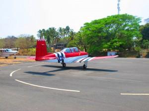 avioneta en isla contadora